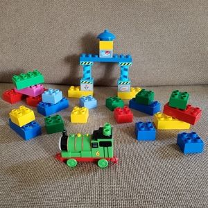 Lot of 33 Duplo Thomas Building blocks